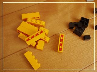 LEGOHalloweenHaunt05.jpg