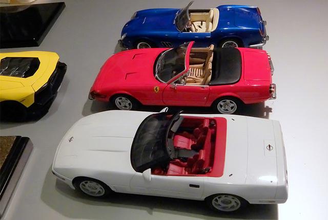 5583 コルベットとフェラーリ 640×430