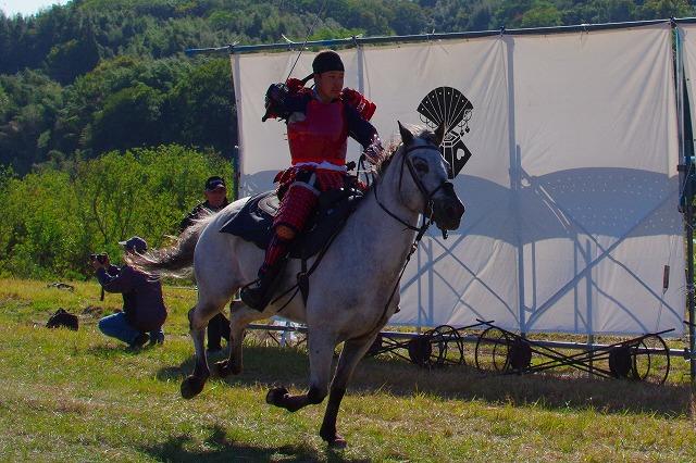 大野川合戦祭り 騎馬疾走 逆光 2
