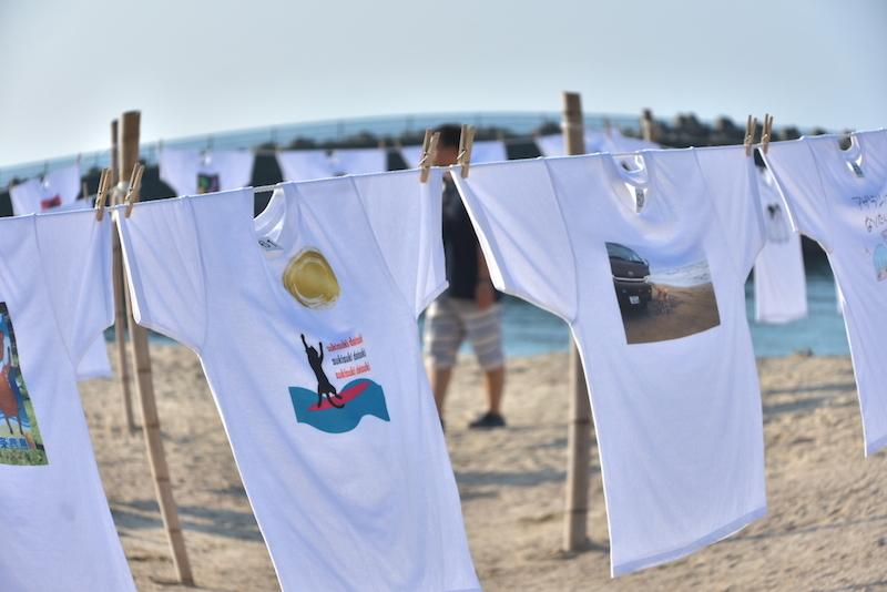 空と海とTシャツと…