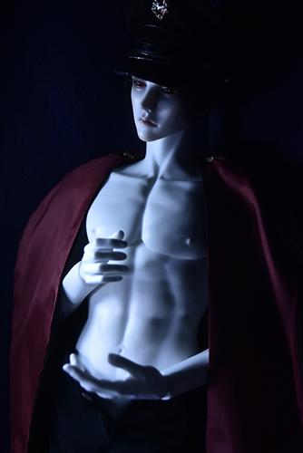 「帝都物語」の加藤保憲としてお迎えした、Ringdoll、夜に耽る姿
