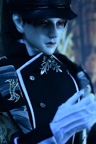「帝都物語」の加藤保憲としてお迎えした、Ringdoll、Dracula-Style Bが我が家に来て、1年が経ちました。