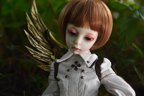 機械の翼を持つ少女、DOLLZONE・Gillをお迎えしました。
