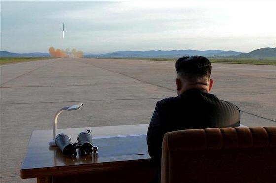 北朝鮮 パラグライダー ローテク 朝鮮戦争