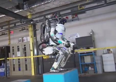 ロボット Atlas BigDog