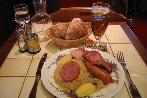 ドイツ 食べ物 固い やわらかい