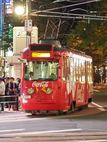 札幌市電 220形電車 コカ・コーラ ラッピング【すすきの交差点】