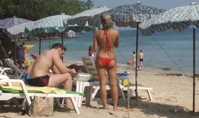 【パタヤひとり旅】 Pattaya ラン島の水着美女1 (1)
