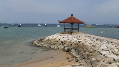 バリ島サヌール ビーチ