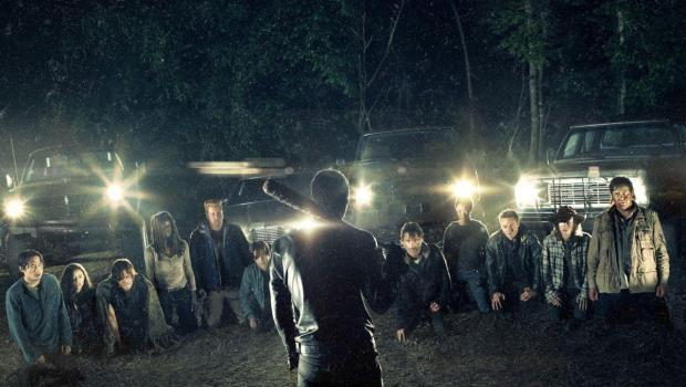 walking-dead-cast-kneel.jpg