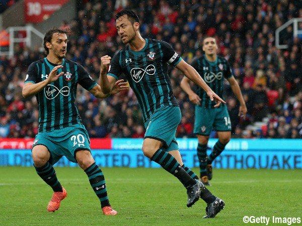 Goal! Yoshida levels it up at Stoke goal