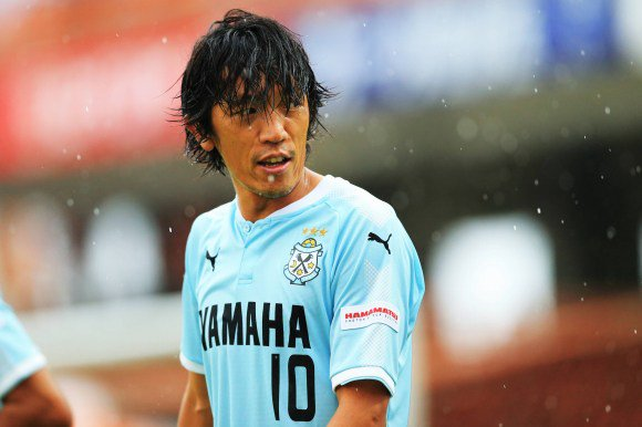 Shunsuke Nakamura scores direct from the corner J1 MD29 Jubilo vs S-pulse