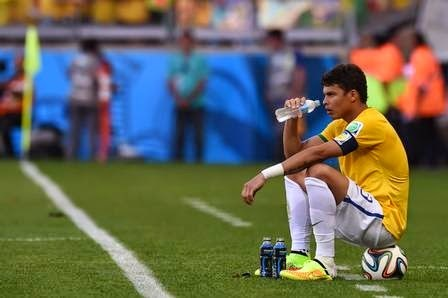 aptain Thiago Silva waits for the penalty shootout after the extra time in the round of 16 football match