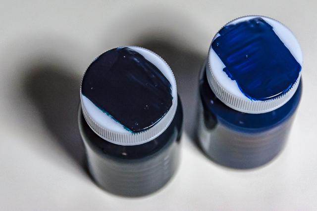 ティターンズカラー スペアボトルキャップ試し塗り