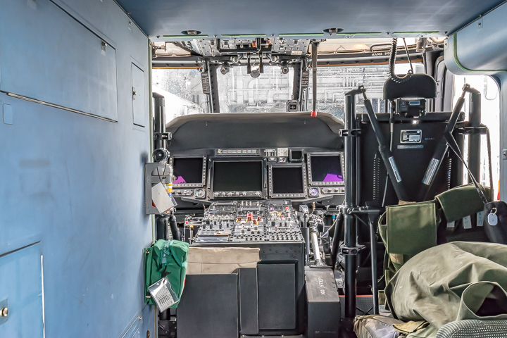 たかなみ 哨戒ヘリコプター SH-60K コクピット