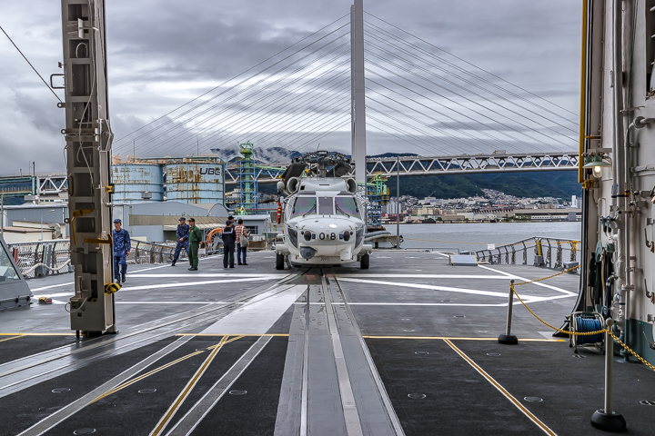 たかなみ型護衛艦 DD110 たかなみ 哨戒ヘリコプター SH-60K