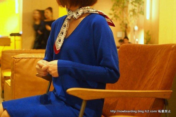 コントワーデコトニエ カシミヤニットドレス着用画像