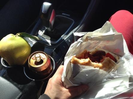 パンとビール、腹膨らむコンビ