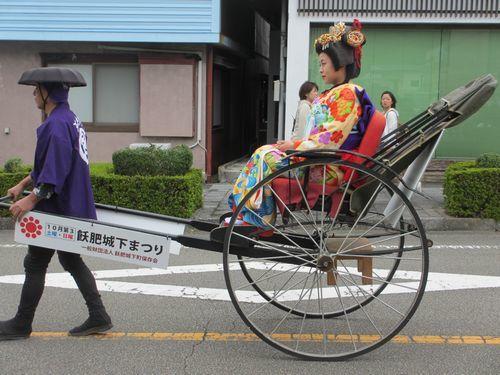 IMG_6475ミスお姫様人力車(飫肥)