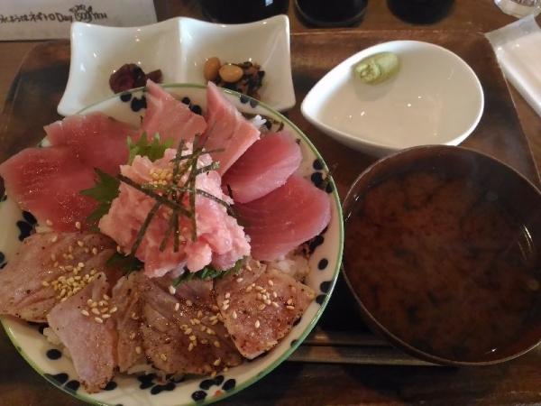 FushimiMomoyamaMaguroGarage_005_org.jpg