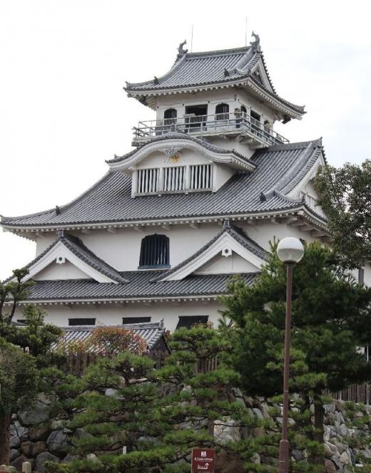 NagahamaKurokabe1_003_org.jpg