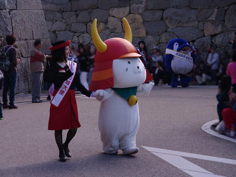 彦根城と言えば、ひこにゃんとことちゃん