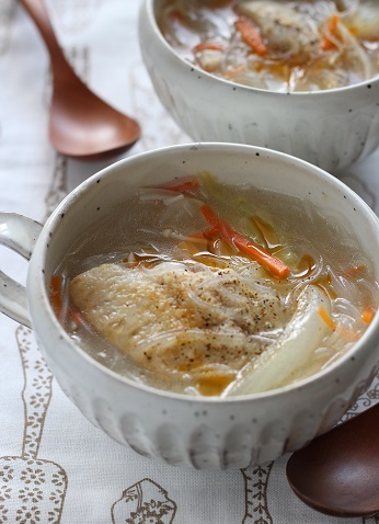 手羽先と春雨のスープ