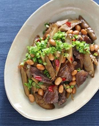 牛すじと大豆と牛蒡炒め1