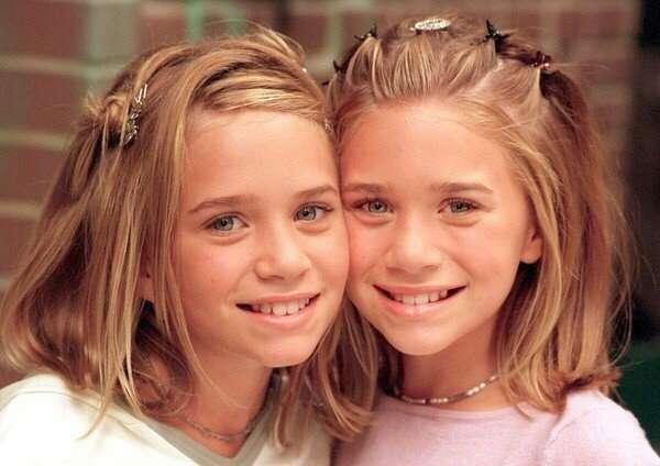 双子 少女