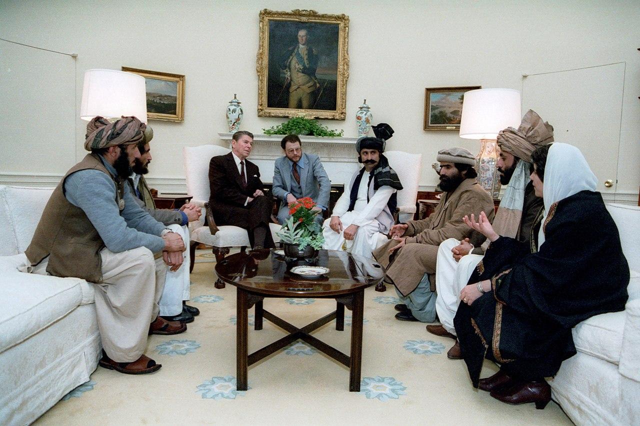 レーガン大統領とムジャーヒディーンのリーダーたち 1983