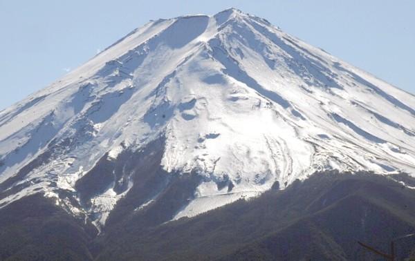 富士山にサンタクロース現る