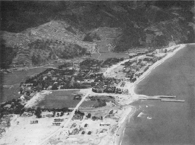 名護市街(1945年4月)