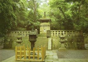 徳川家康公御廟所(墓)