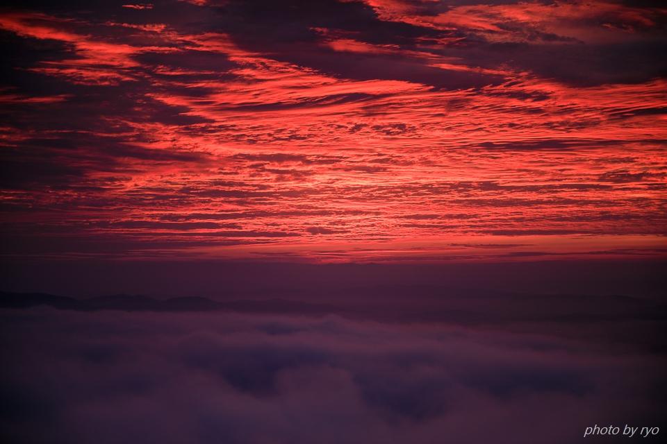 焼けた雲の朝に_4