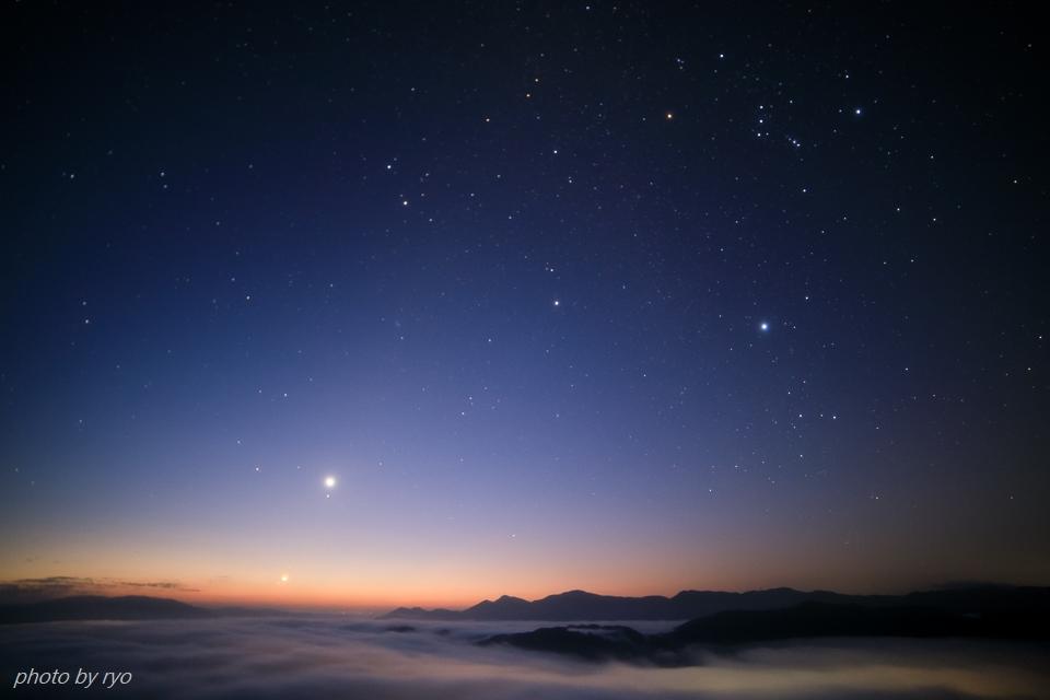 三日月と水星と火星と朝焼けの雲_3