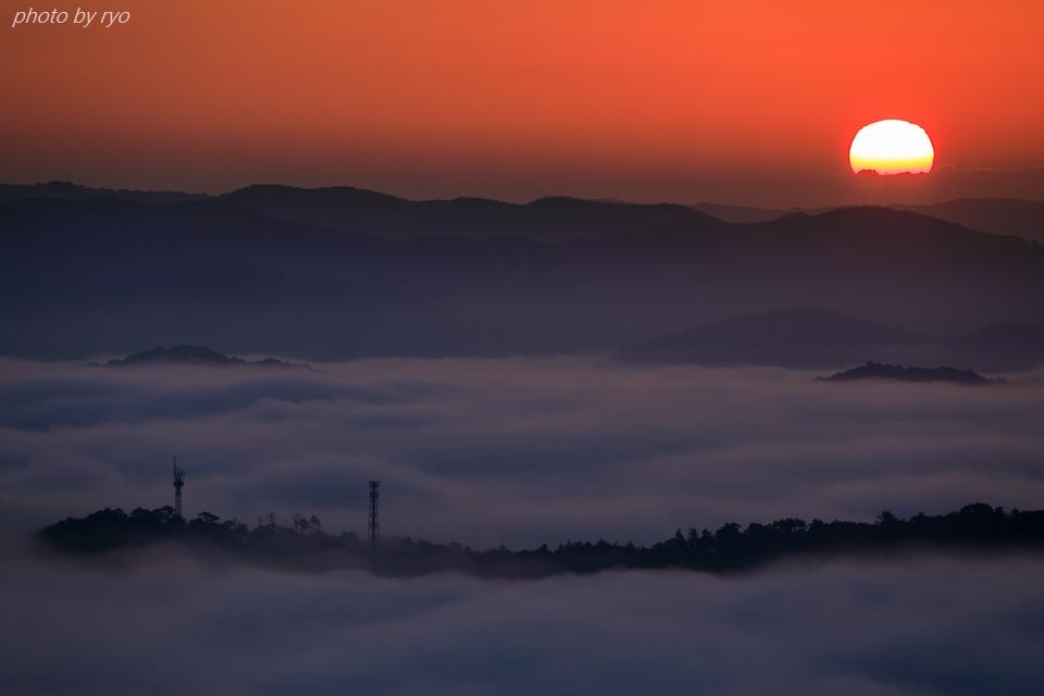 三日月と水星と火星と朝焼けの雲_7a