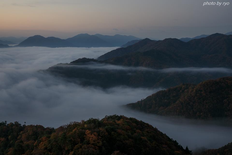 たなびく霧の朝_1