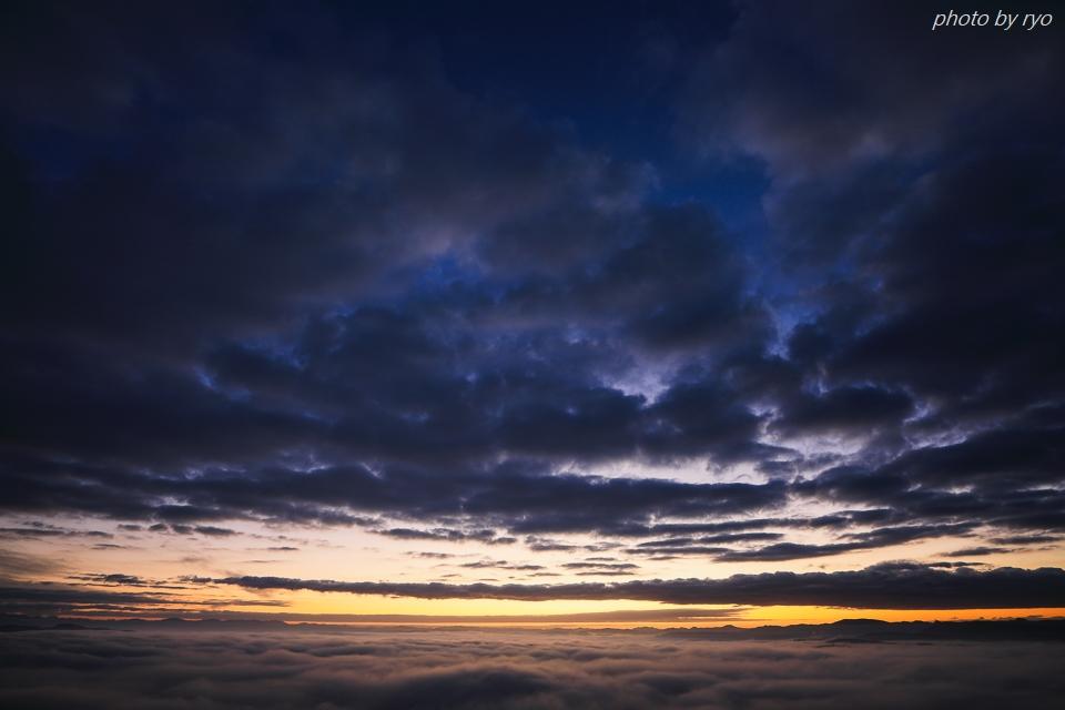 雲と稜線の隙間から_2