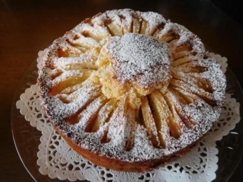 リンゴのまるいバターケーキ