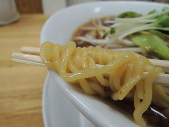 みすゞらーめん(正油)の麺
