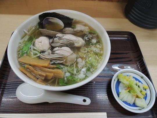 かきラーメン(魚醤)細麺、あっさり(1520円)