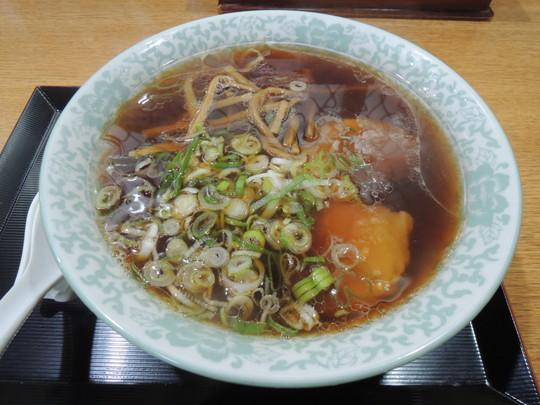 醤油ラーメン(660円)