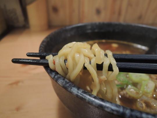 トリキ流台湾ラーメンの麺