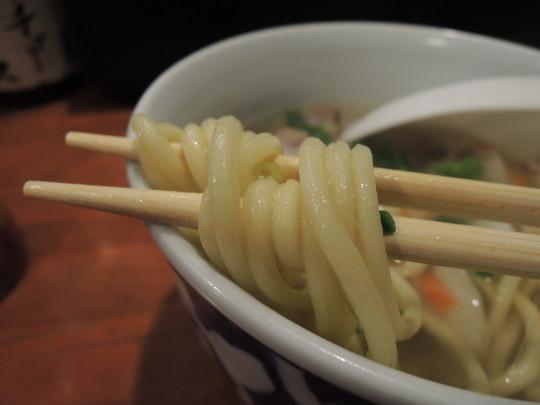 八重山そばの麺