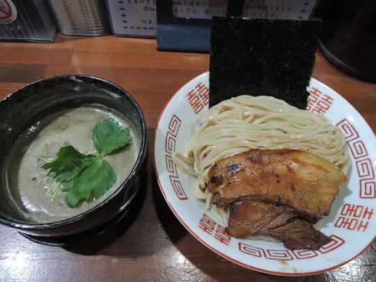 中華ソバ伊吹感謝濃厚煮干しつけ麺(大)300g(1050円)