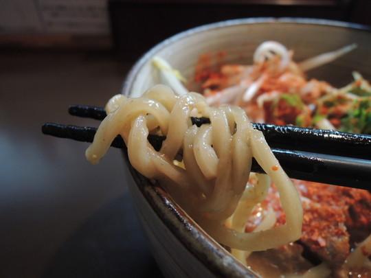 辛みそらーめん(大盛)の麺