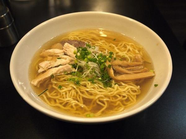 640px-Japanese_Salt_flavor_Sapporo_Ramen.jpg