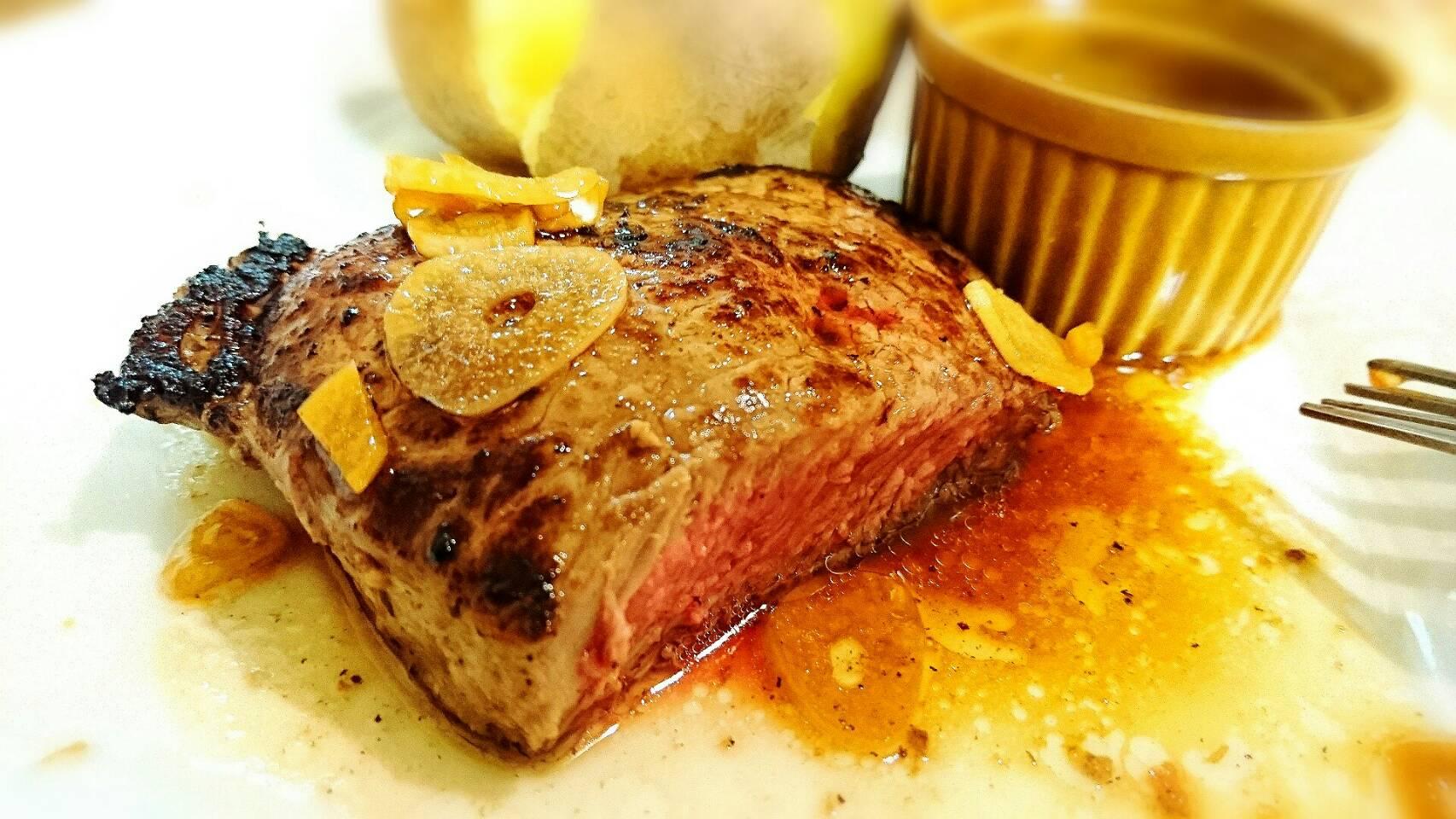 塩麹を使った柔らかガーリックステーキ