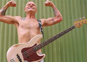 """ロックバンドに「フェンダーのジャズベース」は""""明らかに不要""""と最近気がついた件"""