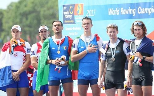 2017世界選手権M2-表彰式 World Rowingより